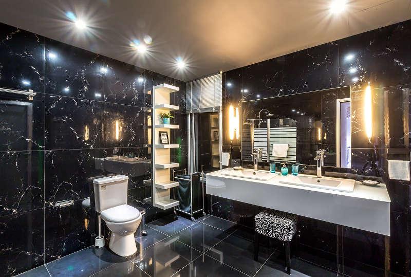Bohrhammer zum Fliesen entfernen - Luxus Badezimmer